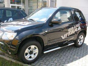 Seitlicher Edelstahlrahmen für Suzuki Grand Vitara 3D